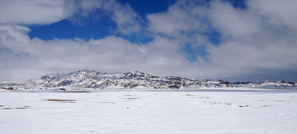 Wüste Gobi mit Schnee