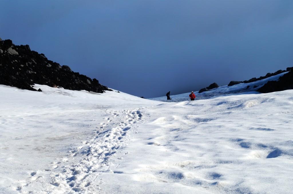 Rückweg im teilweise hüfthohen Schnee